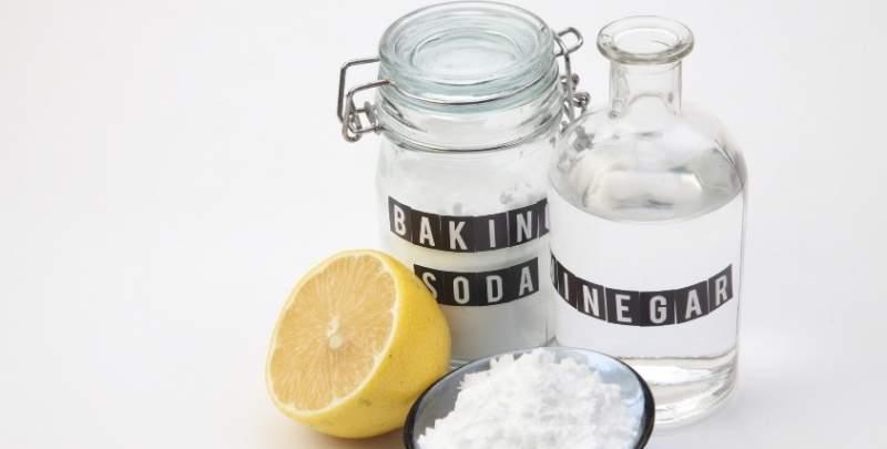 Baking Soda with White Vinegar
